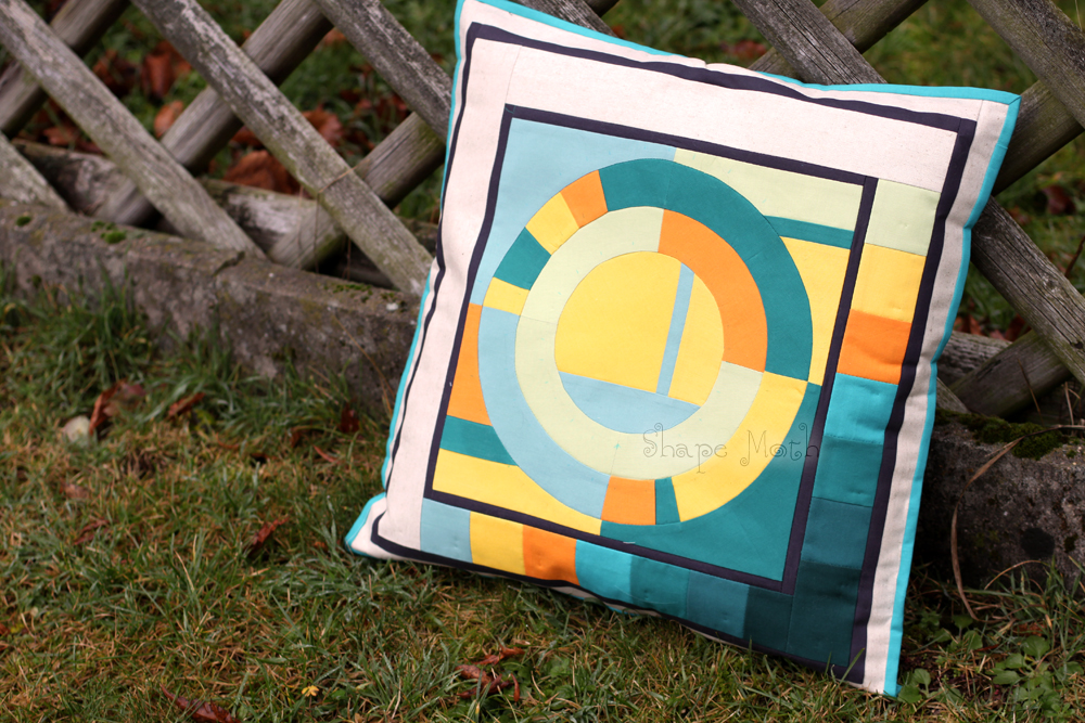 Inspiration of the Week – Modern circles pillow cover